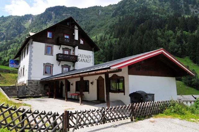 Das Gasthaus in der schönen Ortschaft Ranalt